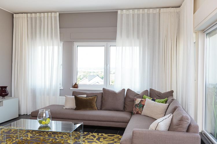 voilage pour velux awesome voilage pour velux frais rideau pour velux store enrouleur occultant. Black Bedroom Furniture Sets. Home Design Ideas